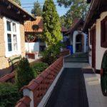 etno ambijent dvorišta doma za stare avalska oaza